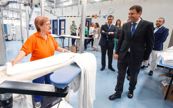 Soltra inaugura su nueva lavandería industrial