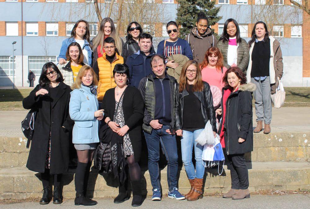 Estudiantes y profesores del IES Valle de Laciana visitan SOLTRA
